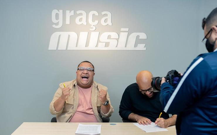 Douglas Borges anuncia seu primeiro single pela Graça Music