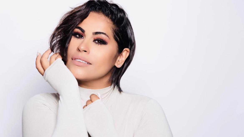 "Em nova fase na carreira, Michelle Nascimento apresenta o single ""Acalma"""