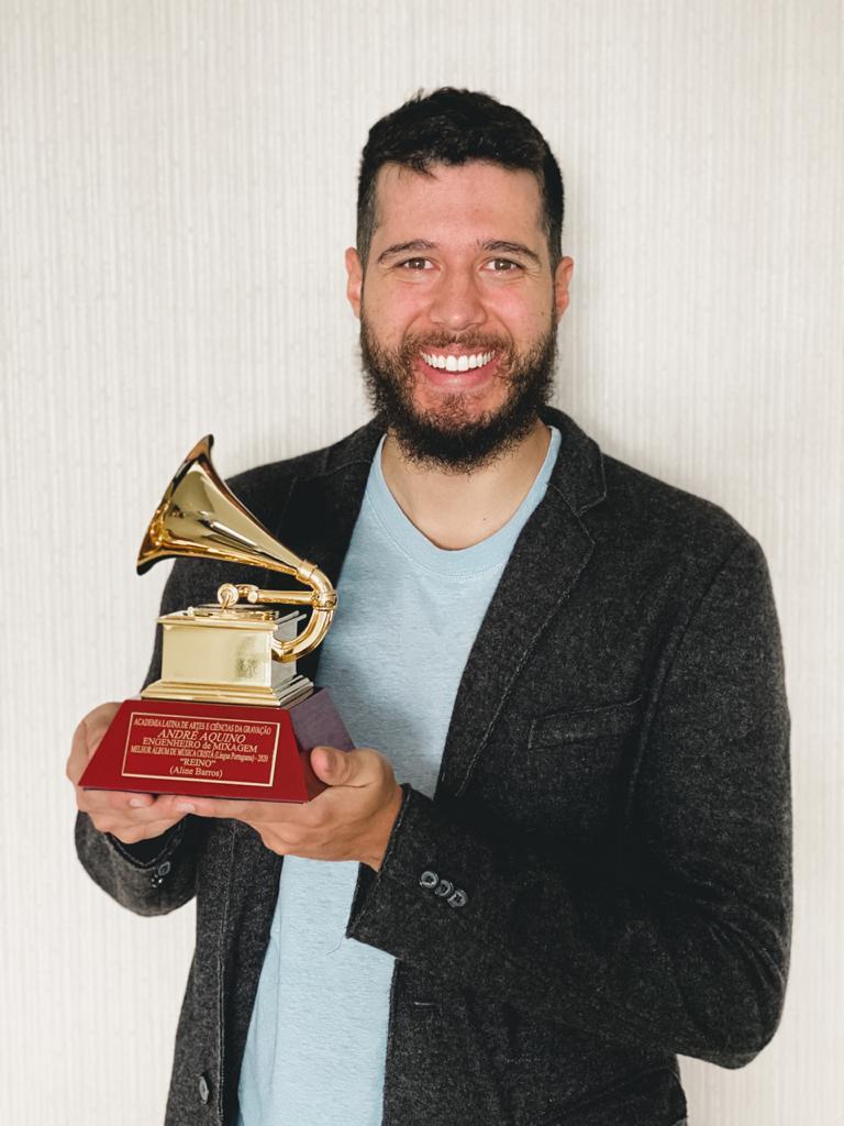 Conheça André Aquino, produtor e compositor de grandes Hits e vencedor de Grammy Latino