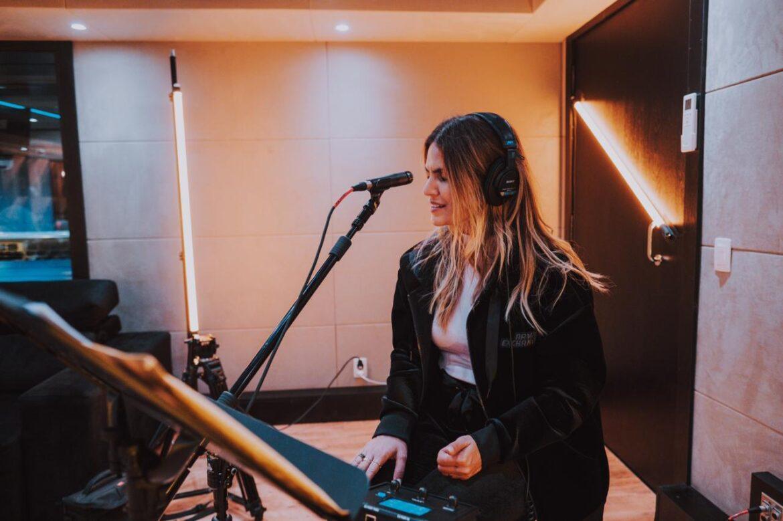 Fenômeno da música, Aline Barros grava projeto do ano
