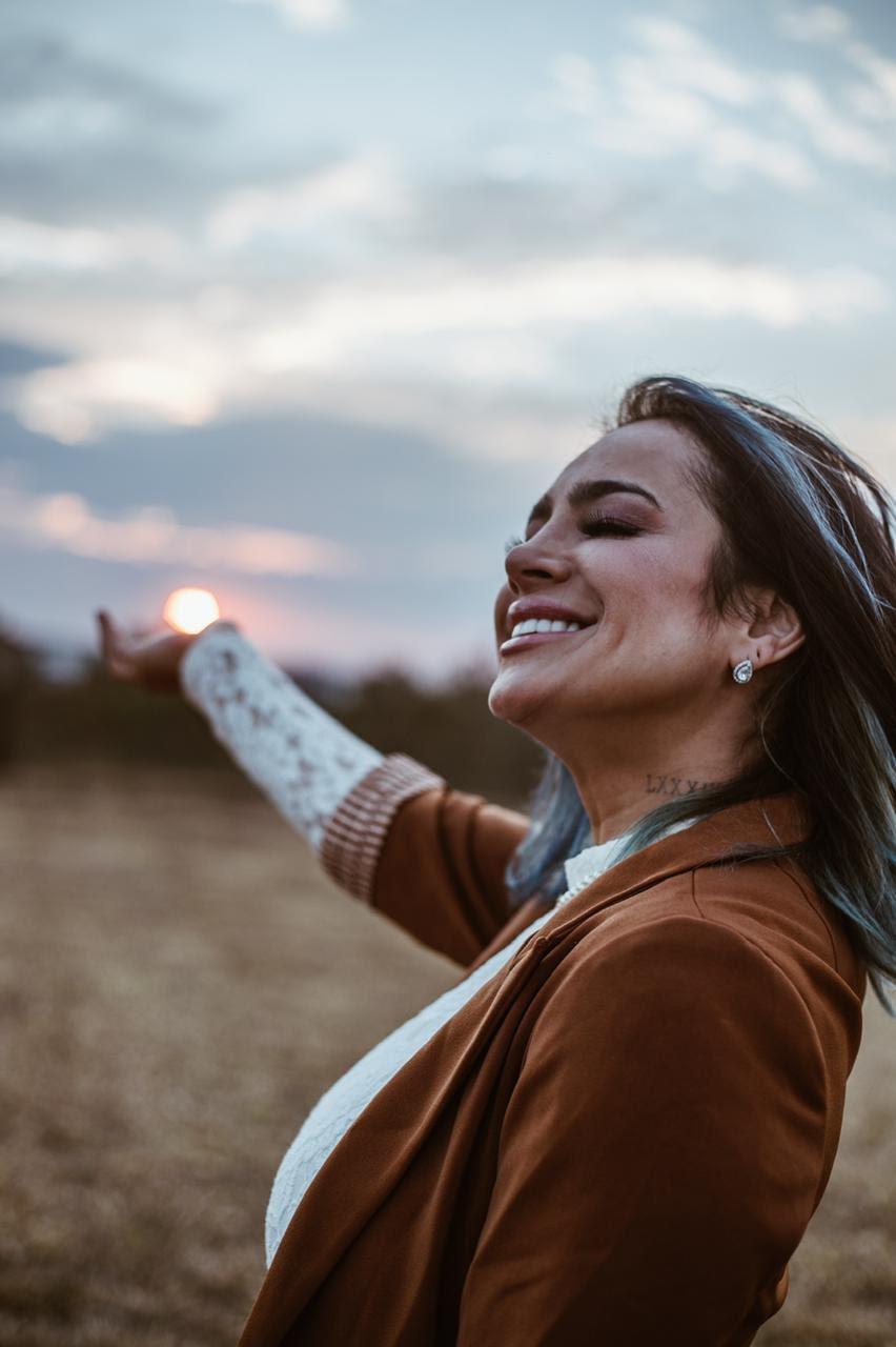 Daniela Araújo recebe indicação dobradinha ao Grammy Latino com projeto Catarse