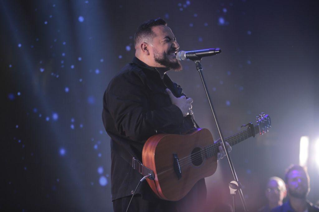 """Juan Raposo apresenta a canção """"Santo"""", seu terceiro lançamento pela Central Gospel Music"""
