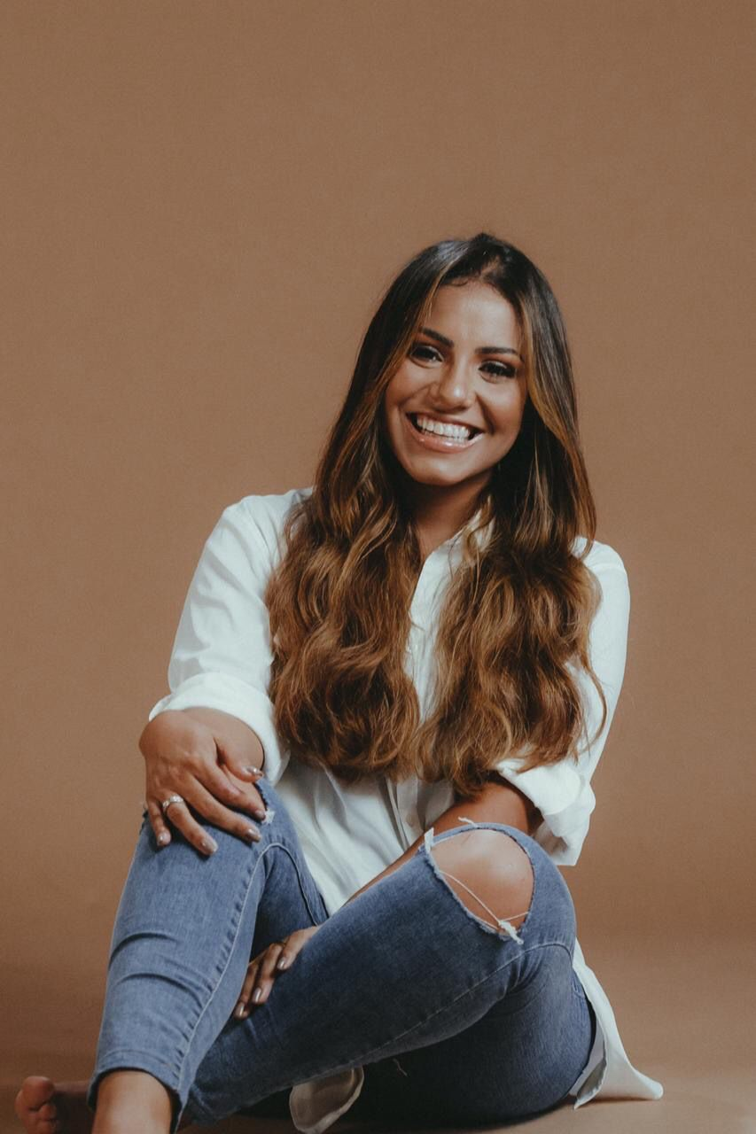 Gabriela Rocha ultrapassa 1 BILHÃO com EP CÉU nas plataformas digitais